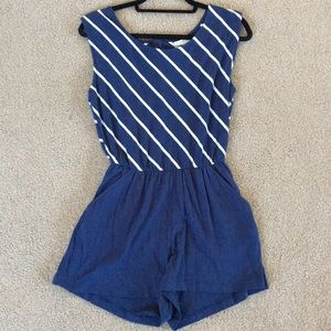 Forever 21 romper size small I love H81